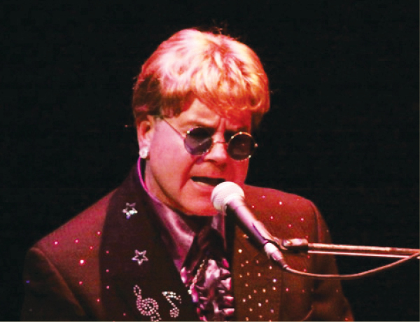 Elton Live!