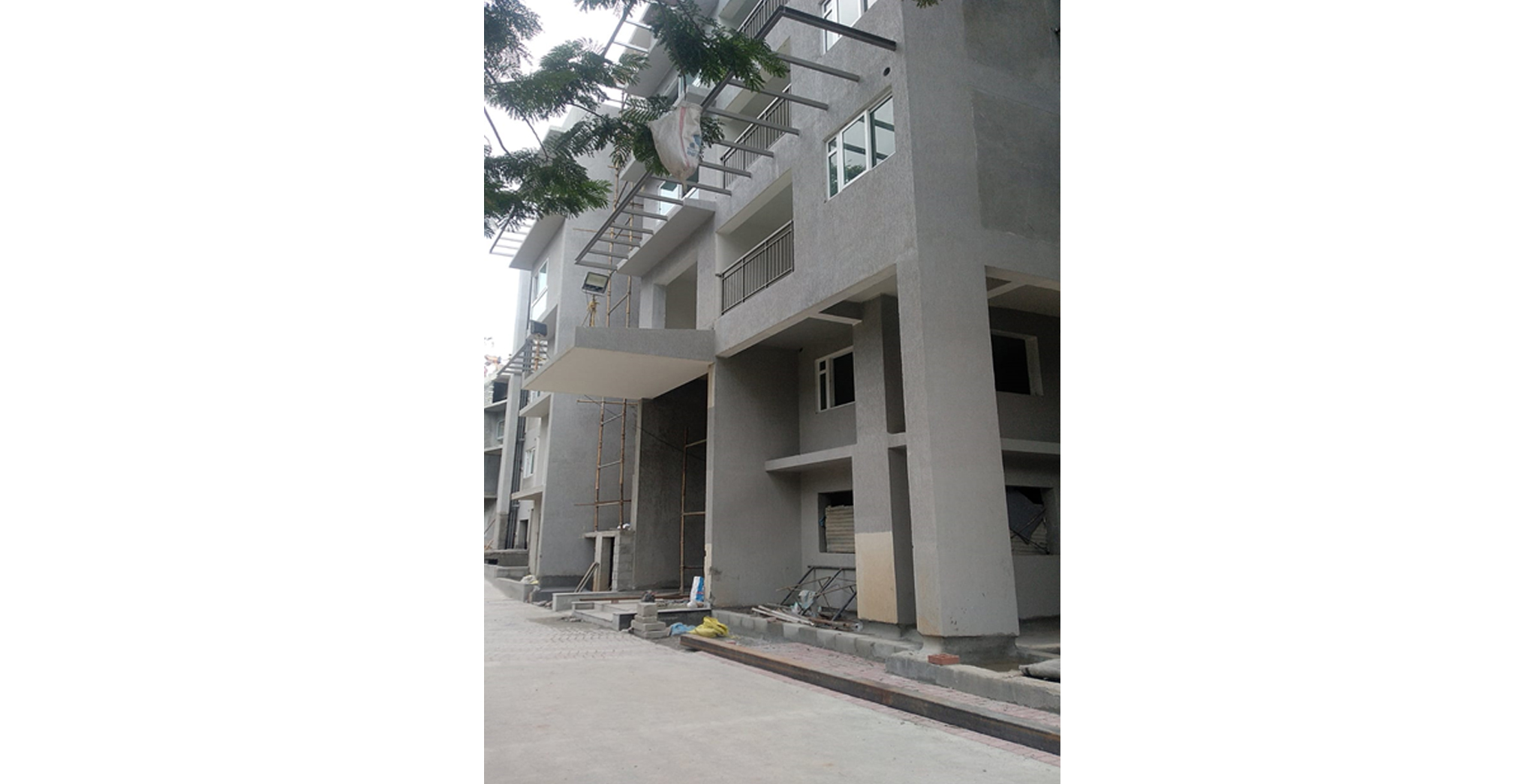Aug 2021 - G Block: External Painting North & South Elevation in progress