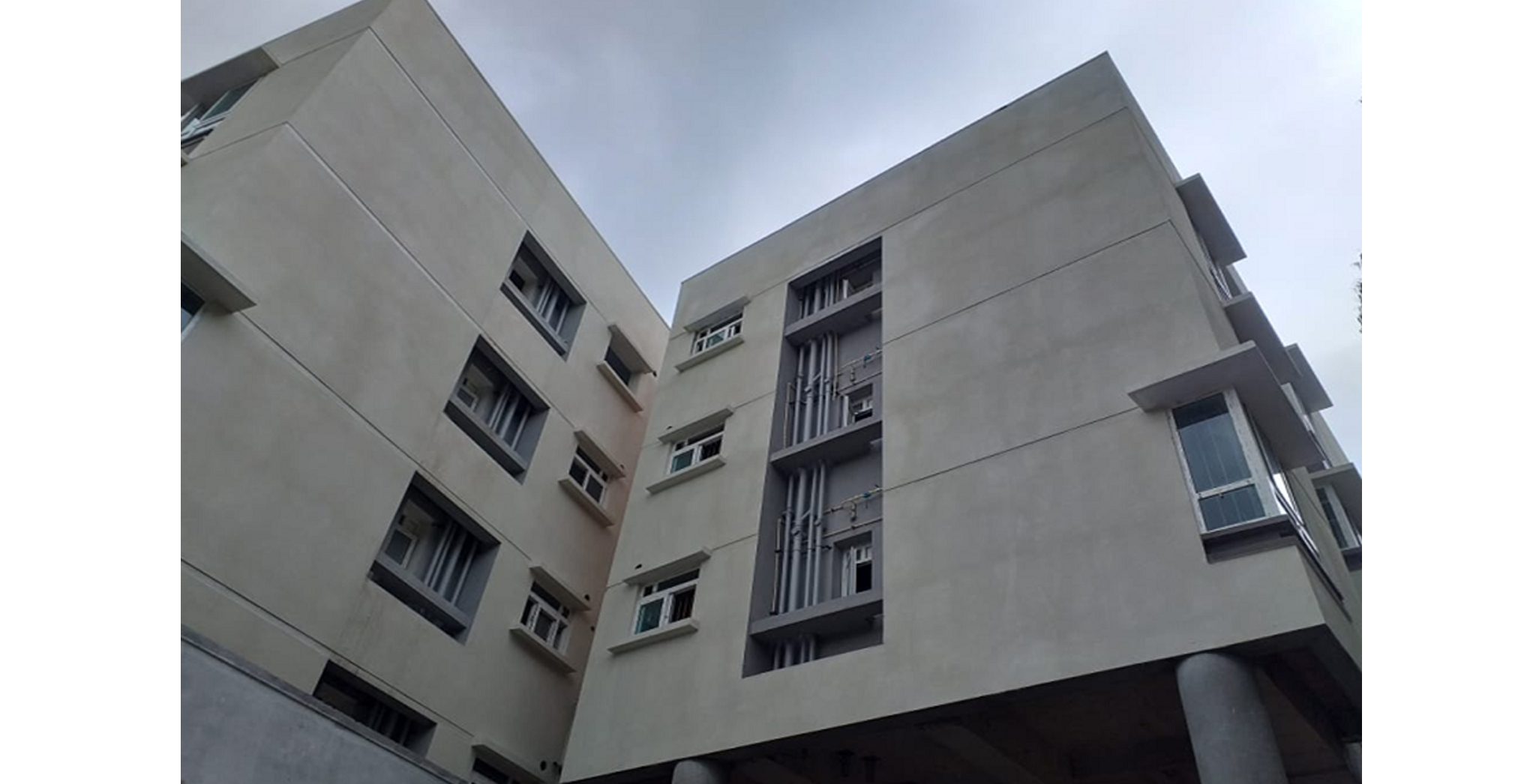 Aug 2021 - Podium Side Block M: External texture and painting works in progress