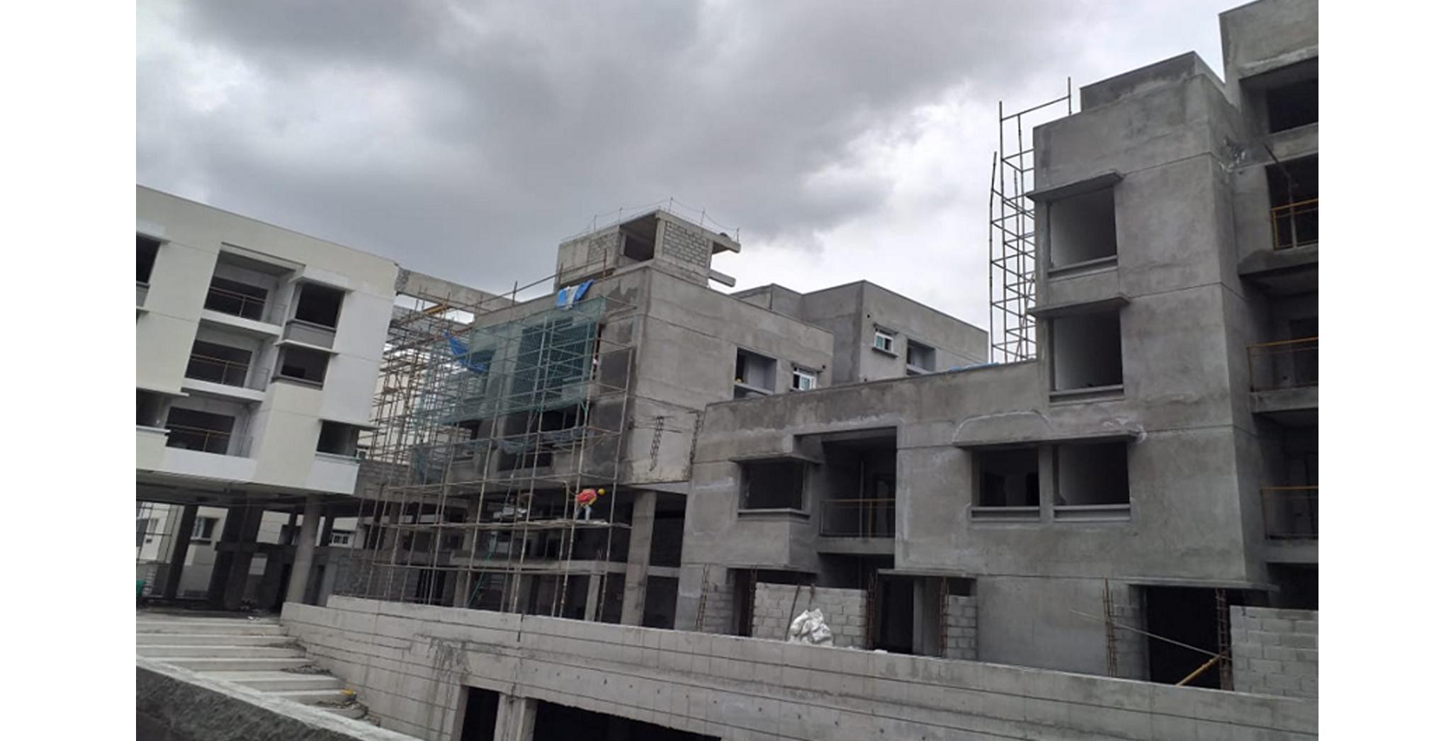 Aug 2021 - Podium Side: Block Q & R - External plastering works in progress