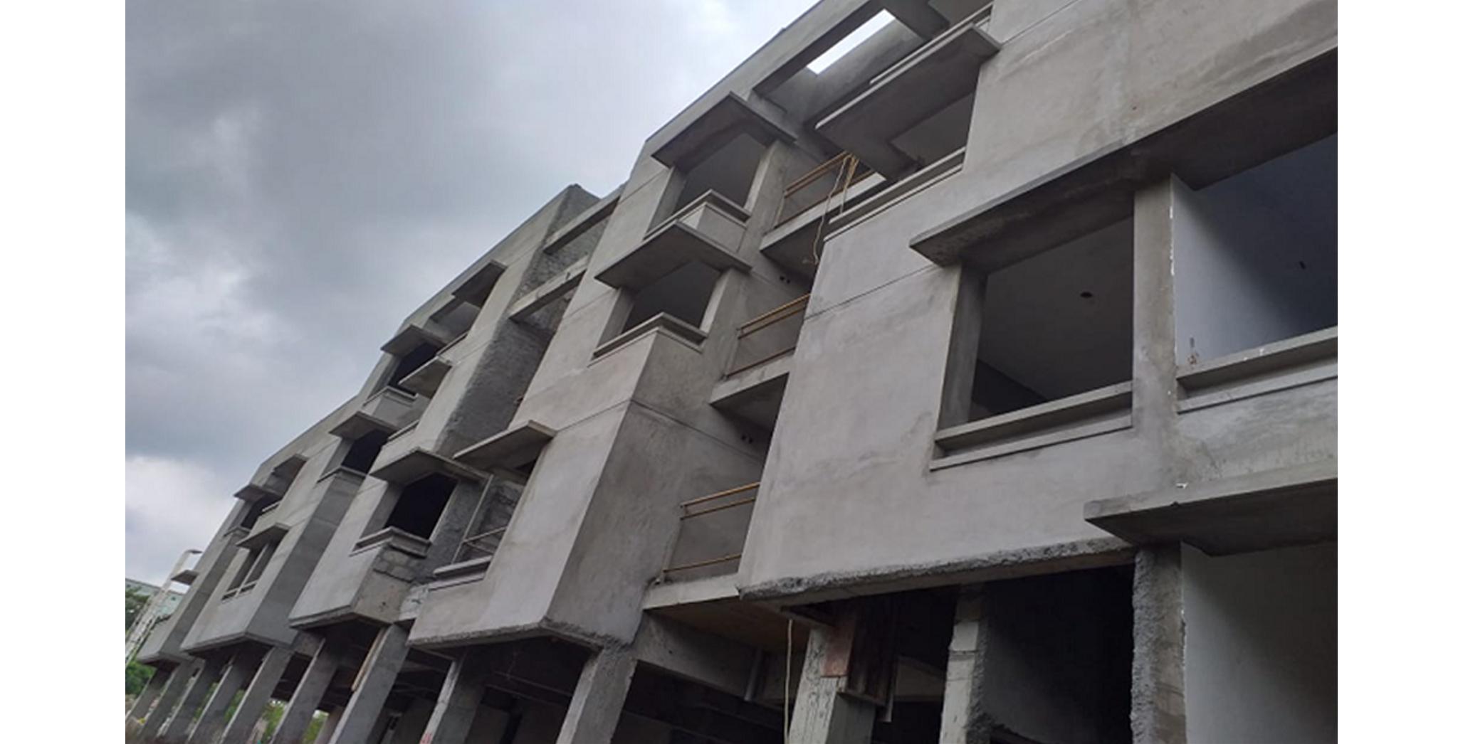 Aug 2021 - East Side View: Block B - Northside external plastering works completed